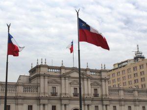Santiago de Chile mit Flagge