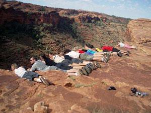 Viel Spaß auf der Gruppenreise von Alice Springs nach Darwin