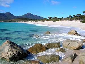 auto-aussicht-strand-tasmanien