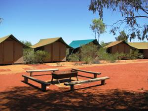 Ein Camp im Outback - Ayers Rock