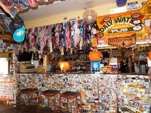 Bar im Daly Waters Pub