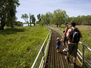Wanderung zum Billabong im Kakadu Nationalpark - australien für kinder