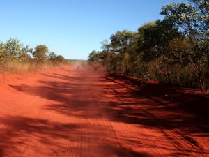 staubige Strecke durchs Outback