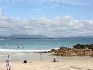 Strand bei Byron Bay - Tourism Australia