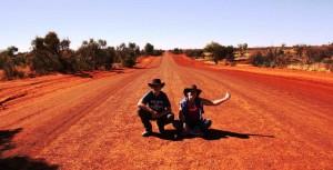 Australien Dust Road Outback Alice Springs