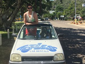 magnetic-island-nelly-bay-horseshoe-bay-car