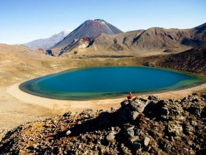 nz-tongariro-lake