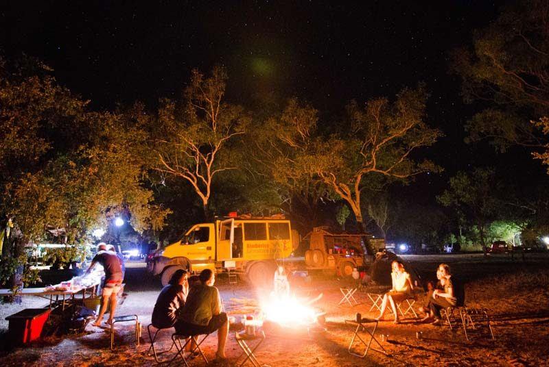 Westaustralien Camping Gruppenreise Lagerfeuer