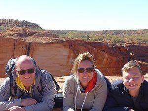 Familienrundreise Australien mit Kindern Wanderung Kings Canyon