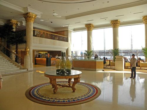 china peace hotel lobby