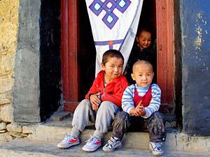 tibet vakantie kindjes deur