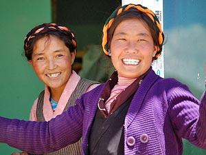 Lachende vrouwen - Tibet reizen
