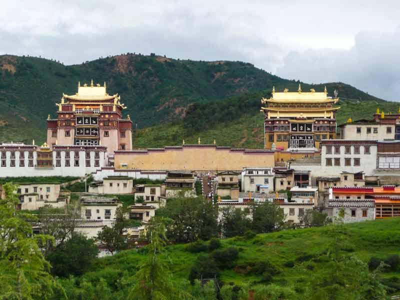 China Zhongdian aan de voet van de Himalaya