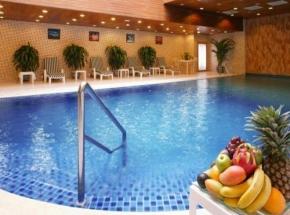 china luxe hotel zwembad