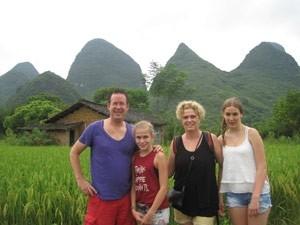 familie karstbergen yangshuo china