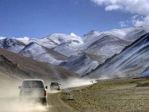 tibet reis on the road