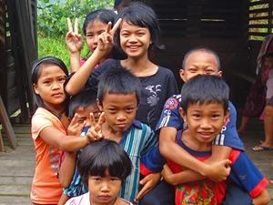 kinderen spelen maleisie