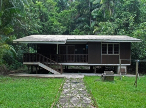 houten bungalow bako maleisie