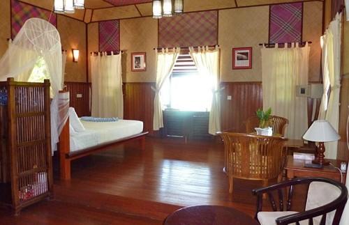 lankayan badkamer naast slaapkamer borneo