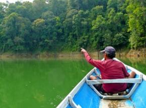 varen naar koppensnellers Borneo vakantie