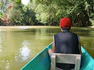 varen over rivier borneo