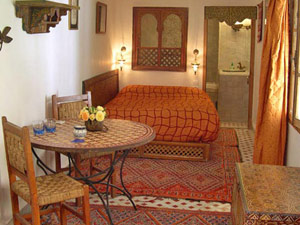 marokko riad fes oranje