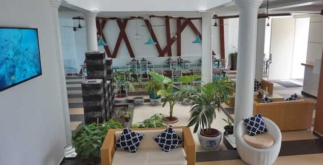 Malediven met kids - budget hotel lobby