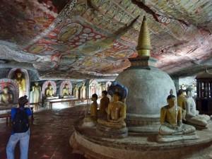 Sri Lanka met kinderen - grotklooster Dambulla