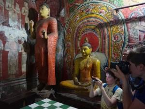 tempels Sri Lanka - Dambulla met kinderen