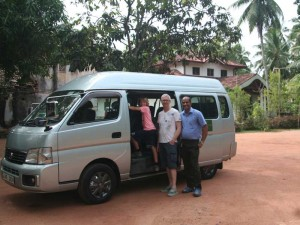 Negombo Sri Lanka met kinderen - privé-vervoer in minivan
