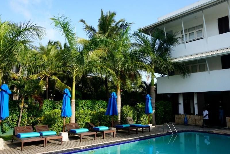 2 weken Sri Lanka met kinderen - Negombo hotel zwembad