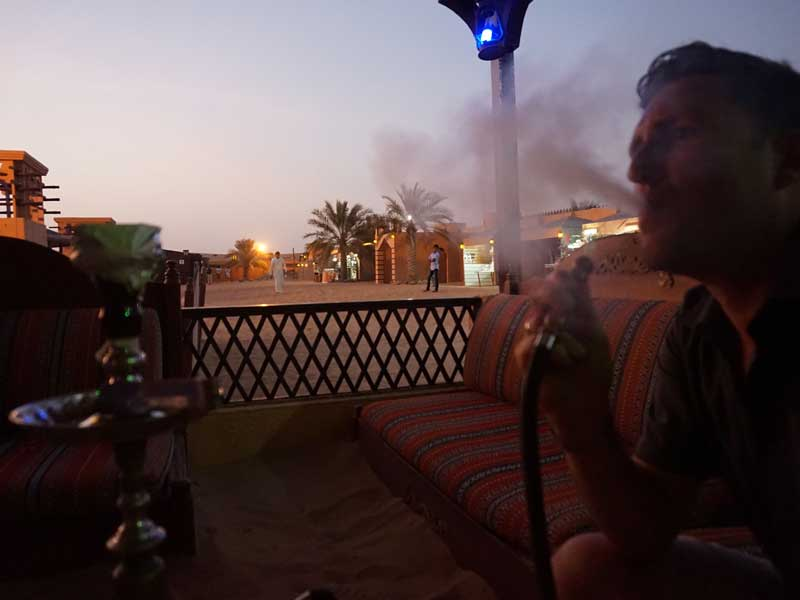 Dubai met kinderen - waterpijp woestijnsafari