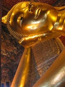 Der liegender Buddha im Wat Pho ist auch als Dienstagsbuddha bekannt.