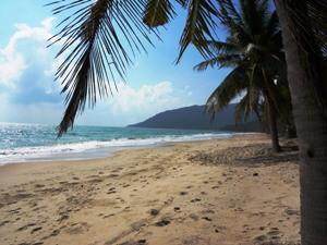 Der Strand von Khanom mit Blick auf das Meer