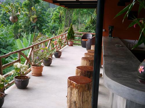 Terasse der Anourak Lodge