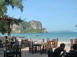 Koh Lanta: Das Restaurant befindet sich direkt am Meer