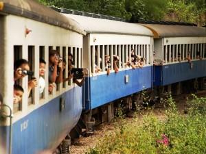 Nach dem Erawan Nationalpark machen Sie eine Fahrt mit der Burma Bahn