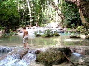 Thailand Highlights: Erawan Wasserfälle mit Kindern