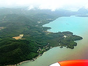 Thailand Highlights: Koh Phi Phi aus dem Flugzeug