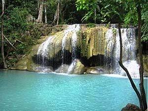 Familienreise Thailand: Erawan Wasserfälle