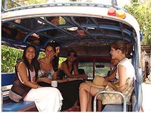 Ein Songatew ist ein überdachter Pick-Up und ist ein Taxi