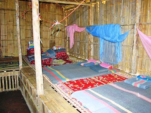 Thailand Highlights: Einfache Unterkunft der Bergbevöklerung