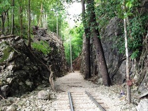 River Kwai: Alte Bahngleise der Burmabahn