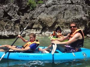 2 Wochen Thailand: Kajaktour entlang der Kalksteinfelsen bei Ao Nang