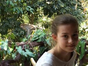 Mädchen im Khao Sok Nationalpark in Thailand