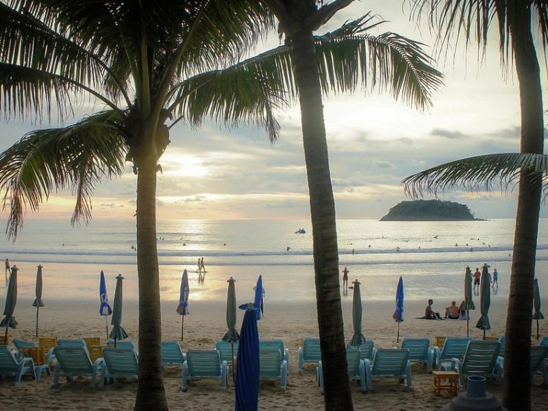 Phuket mit Kindern: Der Kata Beach