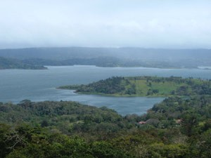 Costa Rica Rundreise mit Kindern: Der Arenalsee in Costa Rica