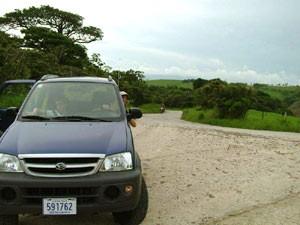 Mietwagen vor einer Landschaft