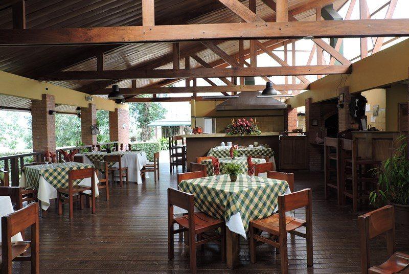 Restaurant in der Unterkunft in Turrialba.