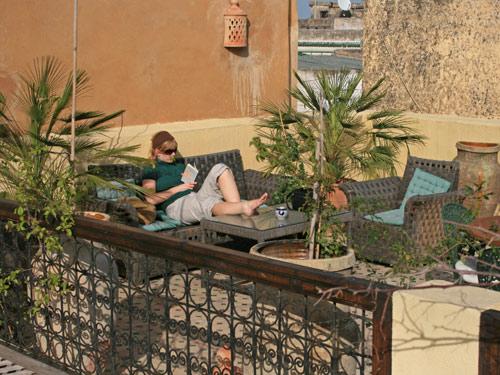 Königsstädte Marokko - Dachterrasse in Riad in Fes